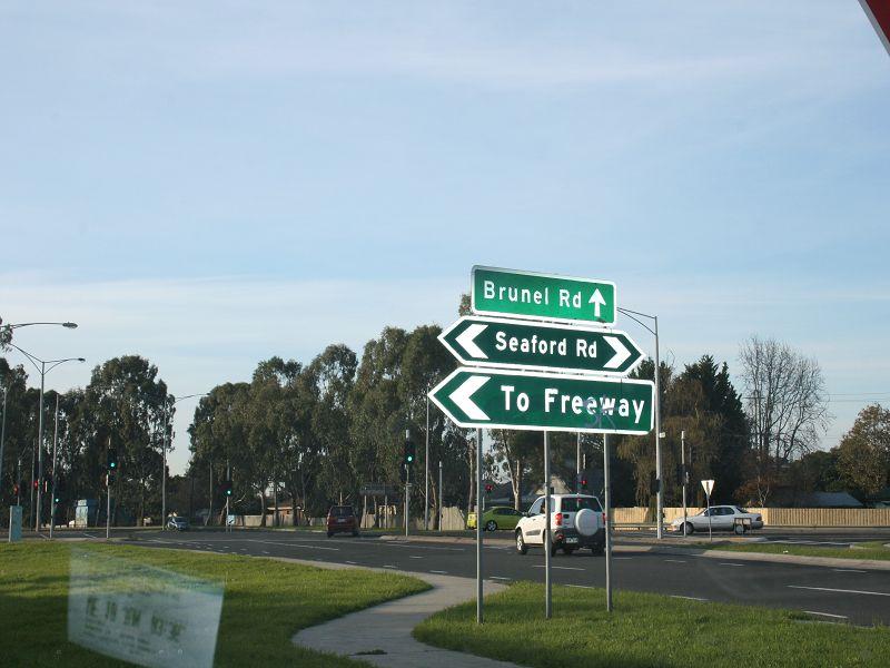36 Peninsula Boulevard SEAFORD VIC 3198