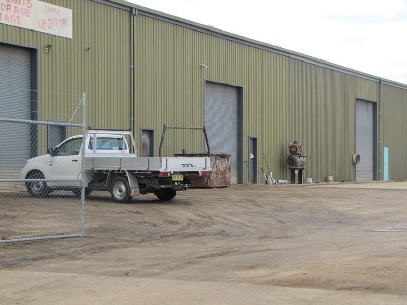 Unit 3/17 Upfold BATHURST NSW 2795