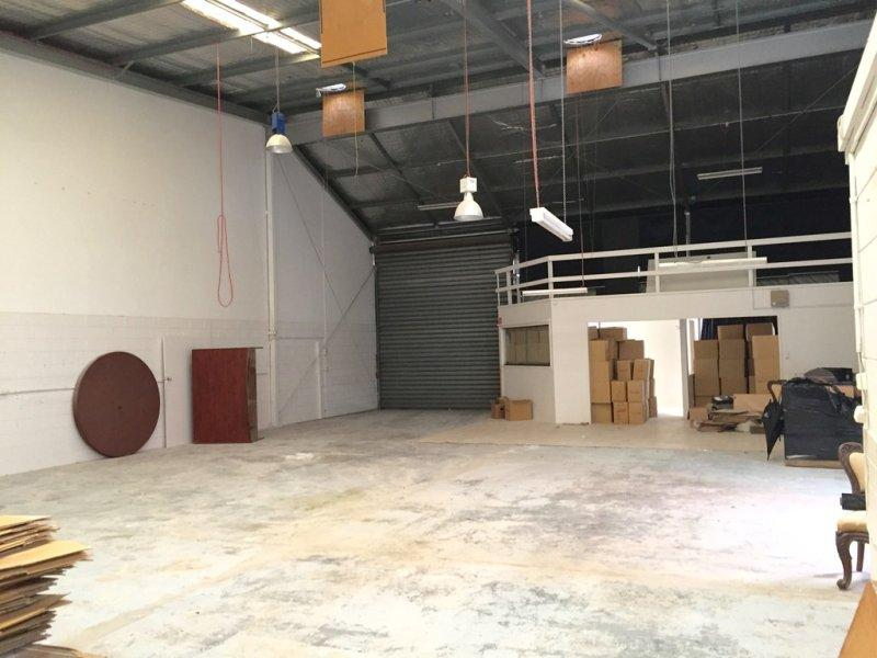 2/4 Hilldon Court NERANG QLD 4211