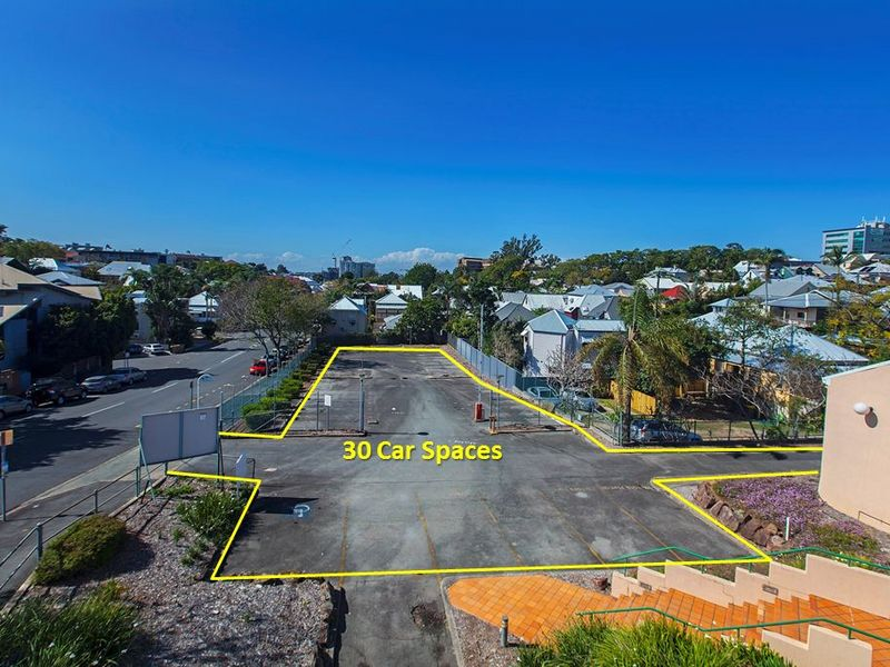 1/383 Boundary Road SPRING HILL QLD 4000