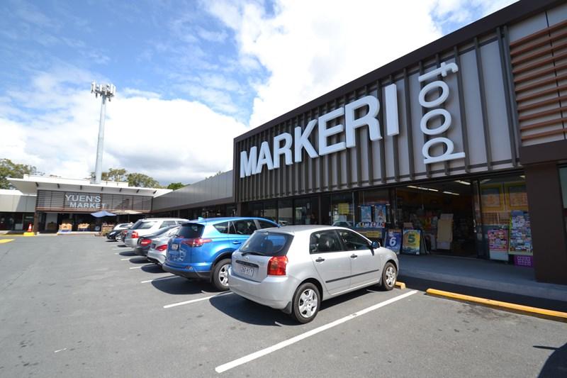 90 Markeri Street MERMAID WATERS QLD 4218