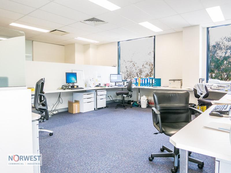 3.04/29-31 Solent Cct BAULKHAM HILLS NSW 2153