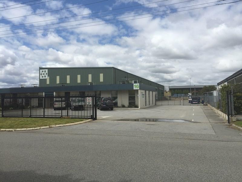 16 Ballantyne Road KEWDALE WA 6105