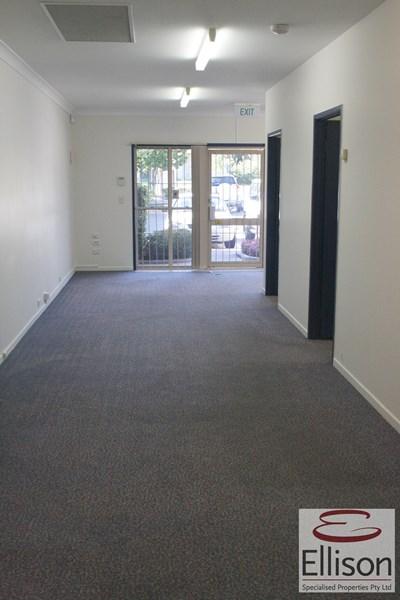 1/51 Cinderella Drive SPRINGWOOD QLD 4127