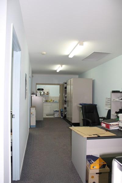 2/51 Cinderella Drive SPRINGWOOD QLD 4127