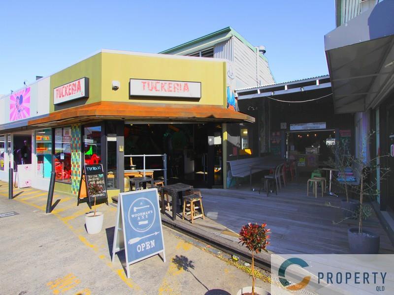 360 Logan Road GREENSLOPES QLD 4120