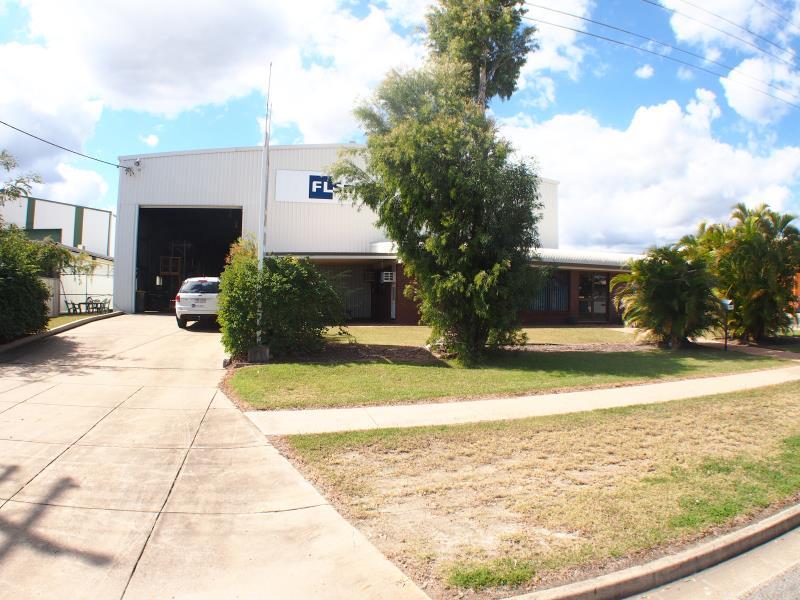 174-176 Alexandra Street KAWANA QLD 4701