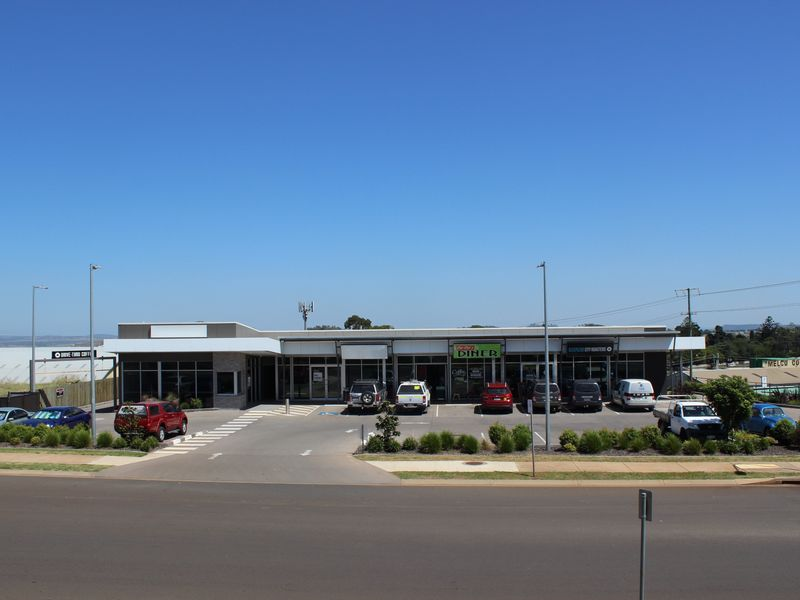 2/3 Walters Drive HARRISTOWN QLD 4350