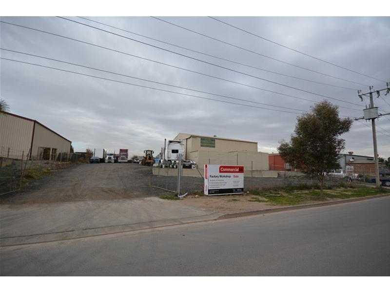 8 Hines Road WINGFIELD SA 5013