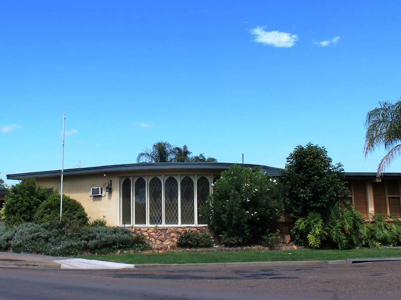 1 Cnr George & Hunter Streets SINGLETON NSW 2330