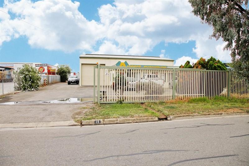15 Ceafield Road PARA HILLS WEST SA 5096