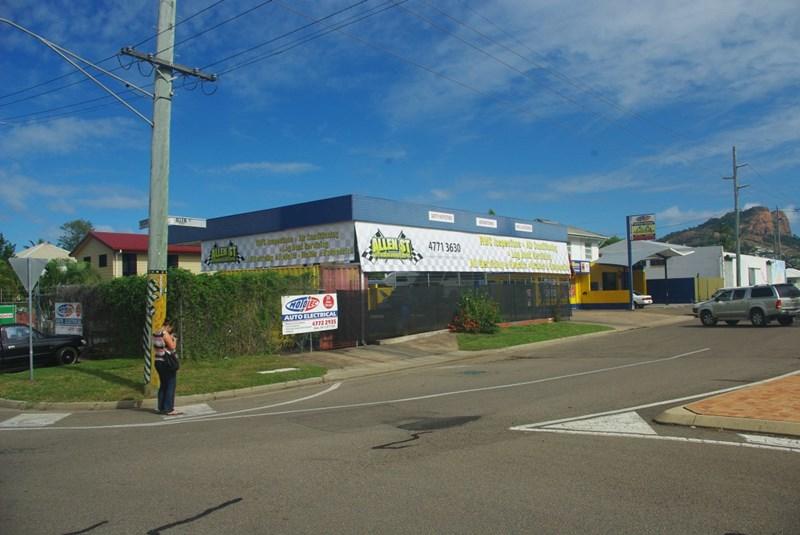 38 Allen Street SOUTH TOWNSVILLE QLD 4810
