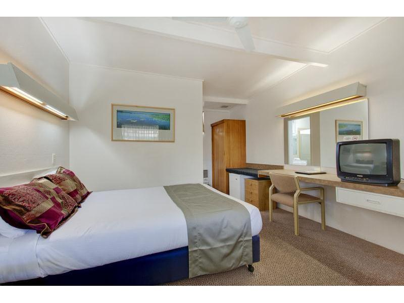 5 7 Cross Street Forbes Nsw 2871 Hotel Amp Leisure