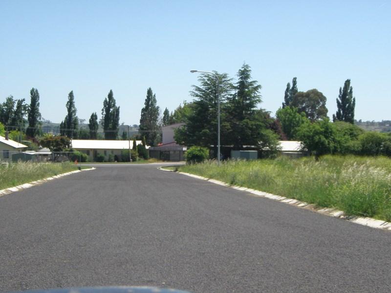 4 Southern Cross Drive ARMIDALE NSW 2350