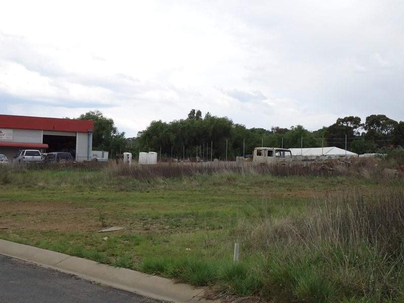 13 & 13A Brickfield Avenue ARMIDALE NSW 2350