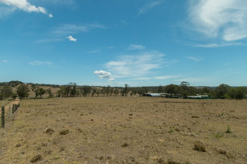 Lot 303 New England Highway CROWS NEST QLD 4355