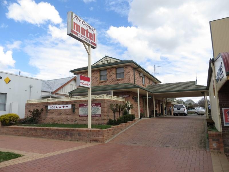 107 Adelaide Street BLAYNEY NSW 2799