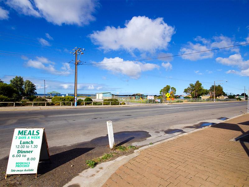 Beach Road COOBOWIE SA 5583