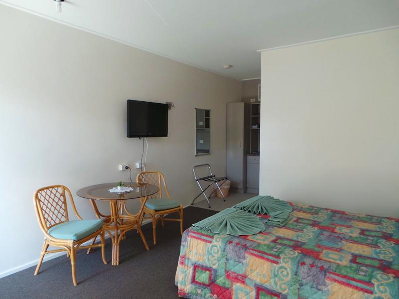 HAY NSW 2711