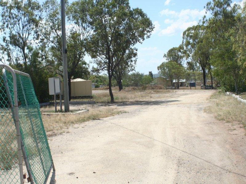85 Foster GRACEMERE QLD 4702