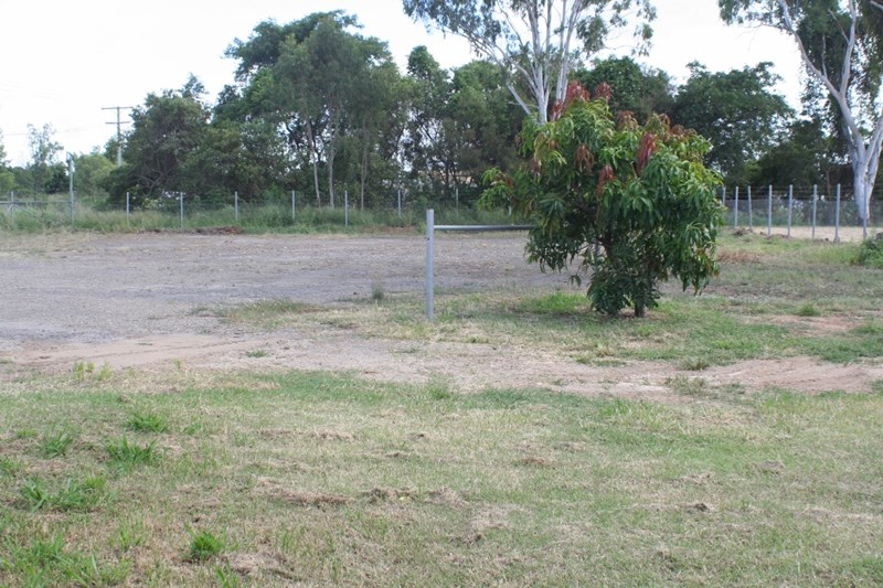 134 middle road GRACEMERE QLD 4702
