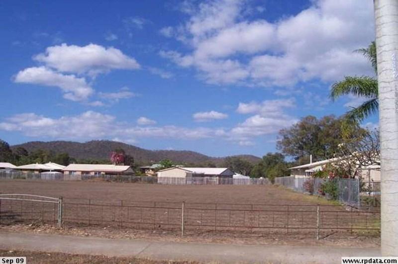 906-910 Yaamba Road PARKHURST QLD 4702