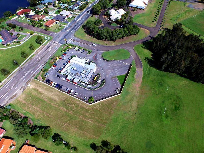 9 Manning River Drive TAREE NSW 2430