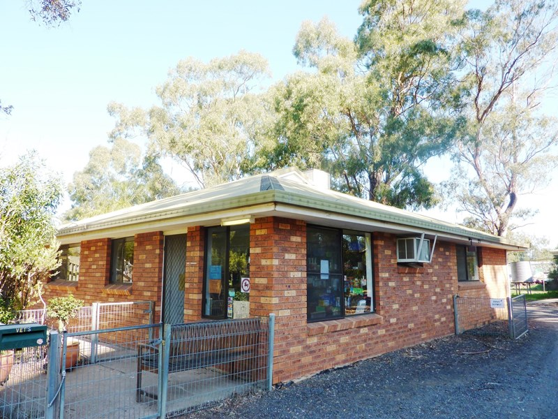 2 Pines Drive GILGANDRA NSW 2827