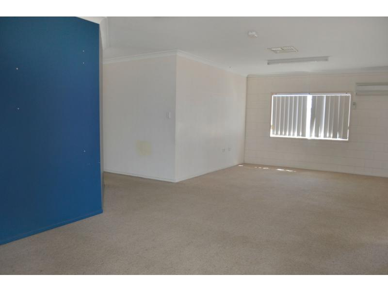 15 Duke Street MOUNT ISA QLD 4825