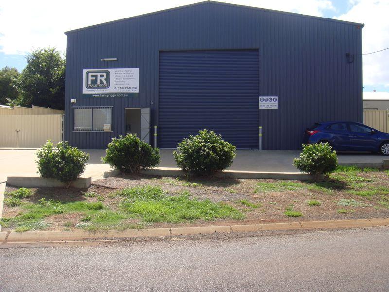 16 Aspect Street NORTH TOOWOOMBA QLD 4350