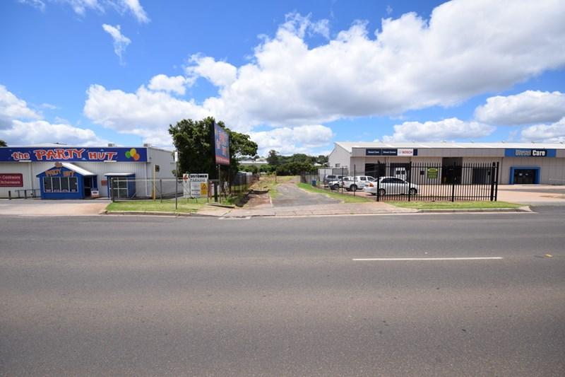 18 Pechey Street SOUTH TOOWOOMBA QLD 4350