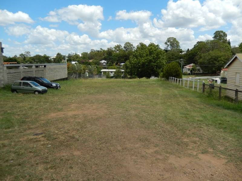 1, 3, 5, 7, 9 Clay Street andamp; 56 Darling Street West WEST IPSWICH QLD 4305