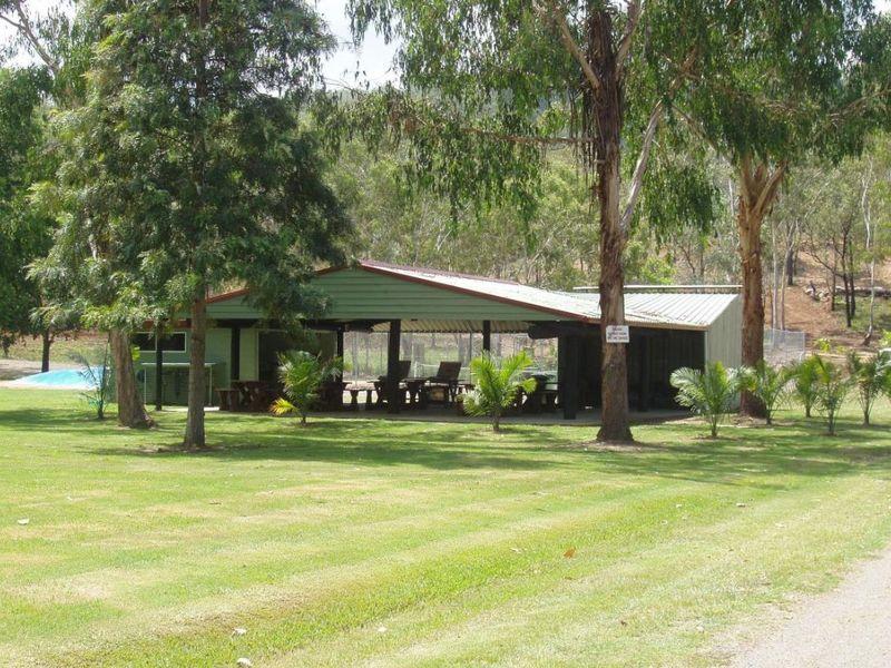 54 Park Road CANIA QLD 4630
