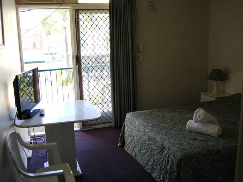 125 Frank Street LABRADOR QLD 4215