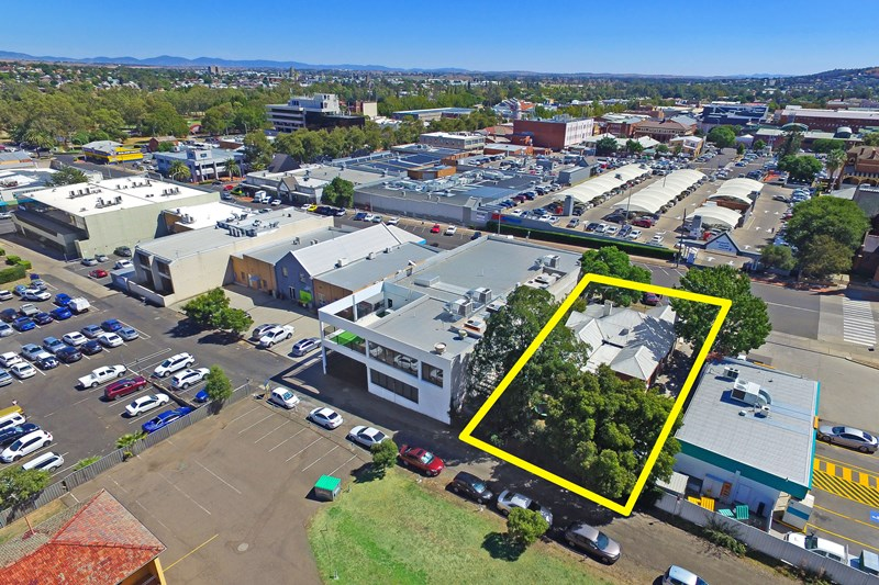 19 White Street TAMWORTH NSW 2340