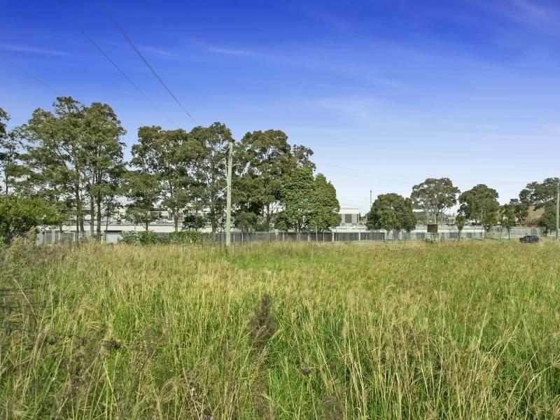 2 Glastonbury Avenue UNANDERRA NSW 2526