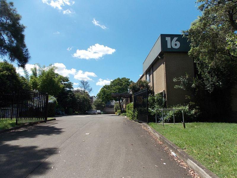 2/16 Garling Road KINGS PARK NSW 2148