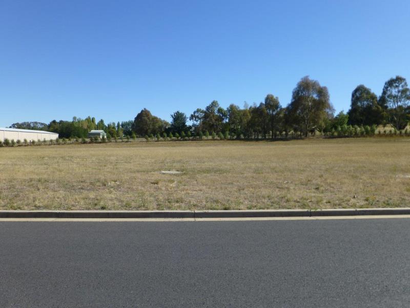 12 Cameron Place ORANGE NSW 2800