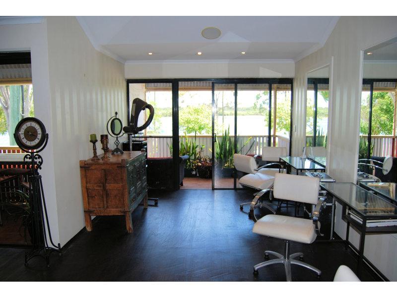 4/253 Gympie Terrace NOOSAVILLE QLD 4566
