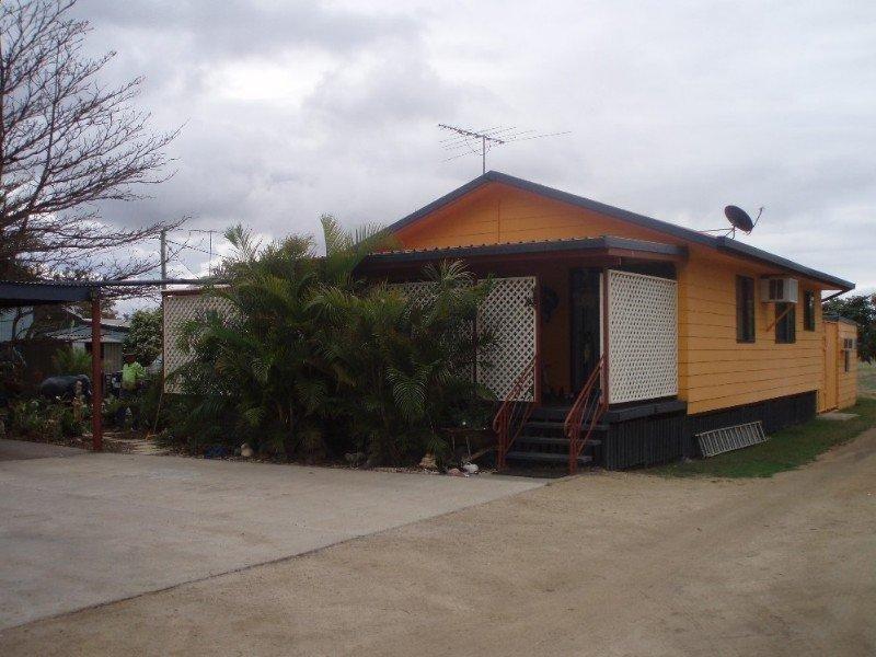 94 Middle Road ROCKHAMPTON CITY QLD 4700