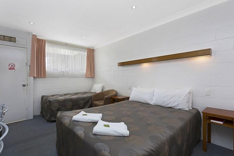 164 Albury St HOLBROOK NSW 2644