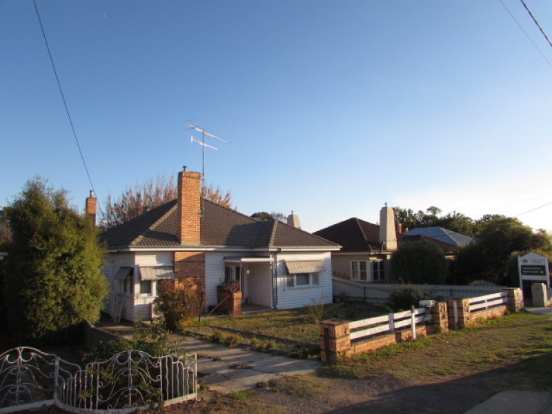 90 Forest Street CASTLEMAINE VIC 3450