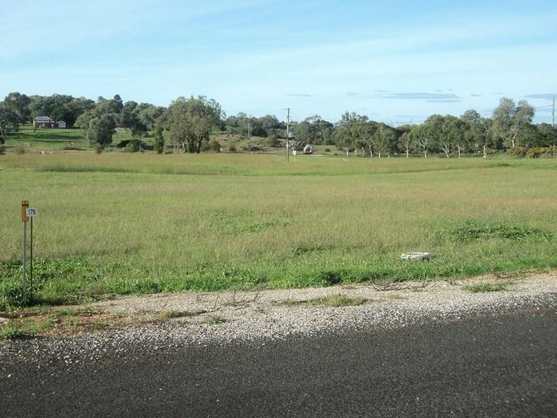 172 Hill Street MOLONG NSW 2866