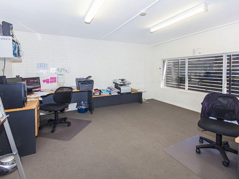 1137 Stanley Street East COORPAROO QLD 4151