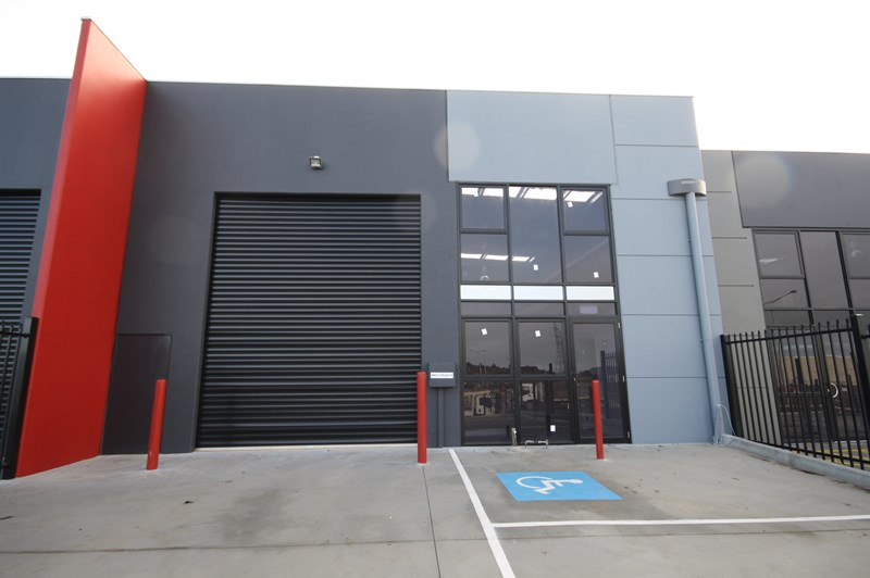 Unit 02/9 Telley Street RAVENHALL VIC 3023