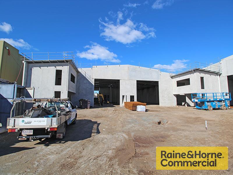 2 & 3/28 Redcliffe Gardens Drive CLONTARF QLD 4019