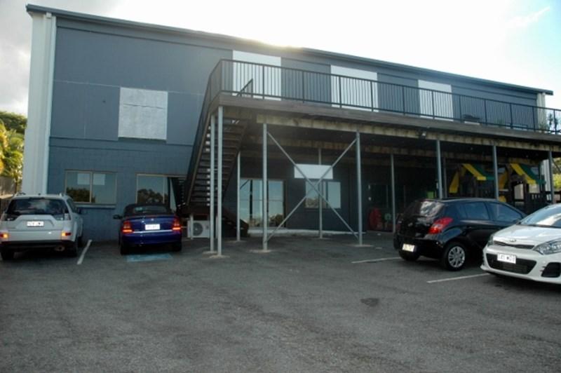 116 Ridgeway Avenue SOUTHPORT QLD 4215