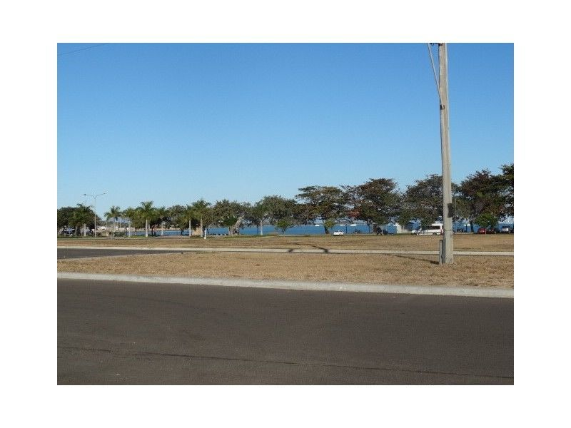 36 Dalrymple Street BOWEN QLD 4805