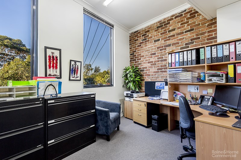 Suites/5 & 5a/110-114 Hampden Road ARTARMON NSW 2064