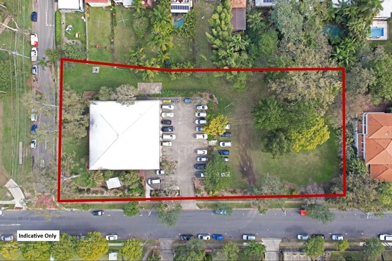 32 Dixon Street AUCHENFLOWER QLD 4066